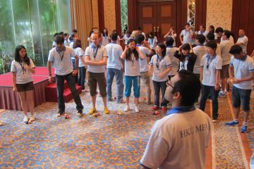 juggling motivator team building activity