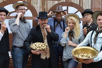 gold rush themed business game